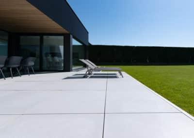 Réalisation d'une terrasse moderne et design