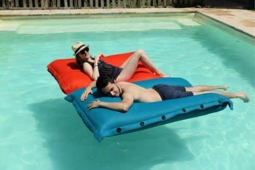 Pouf de la marque Shelto pour votre piscine